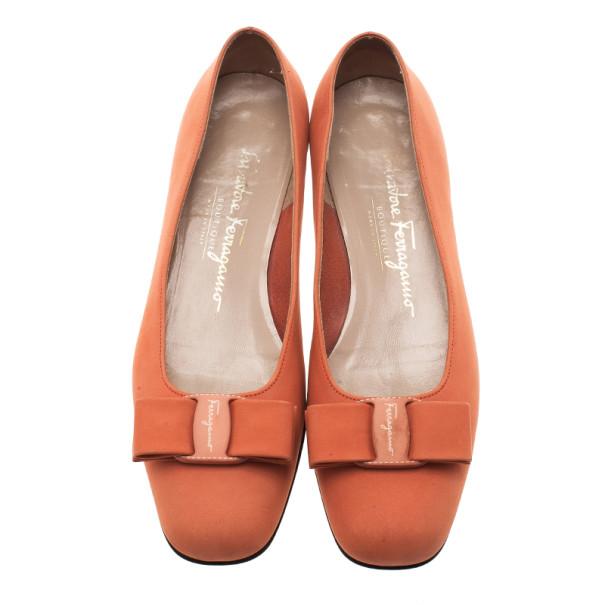Salvatore Ferragamo Orange Suede Bow Ballet Flats Size 37