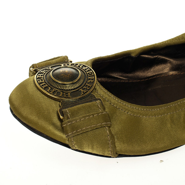 Burberry Green Satin Clasp Ballet Flats Size 38