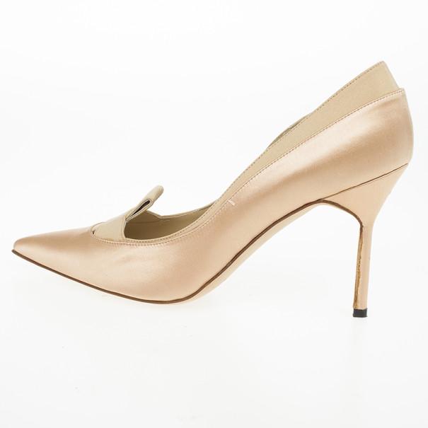 Manolo Blahnik Fokionas Satin Pointed Toe Pumps Size 38.5