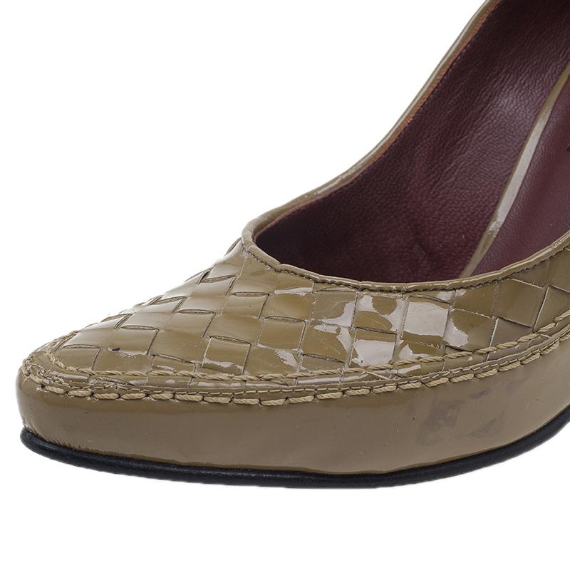 Bottega Veneta Tan Intrecciato Leather Pumps Size 35.5
