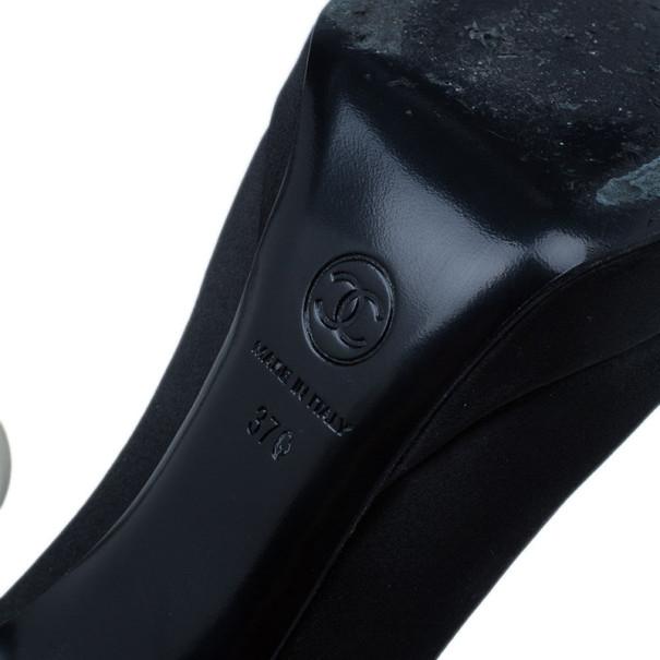 Chanel Black Pearl Heel Platform Pumps Size 37