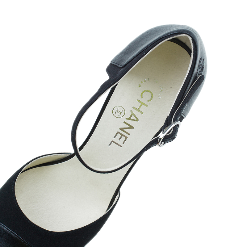 Chanel Black Leather Pointed Strappy Sandals Size 39.5