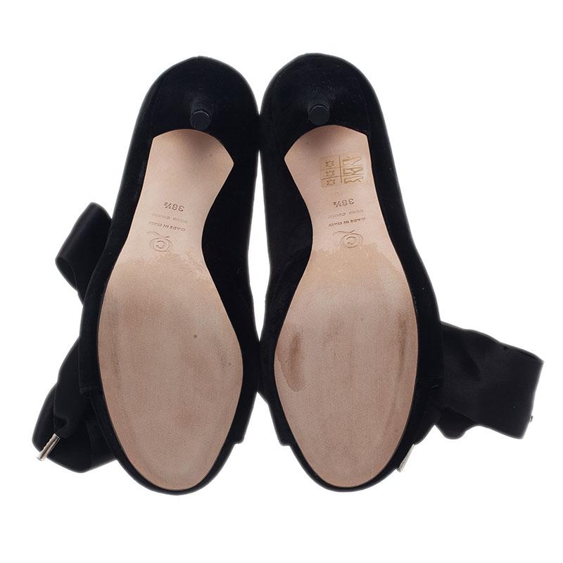 Alexander McQueen Black Velvet Bow Embellished Ankle Boots Size 38.5