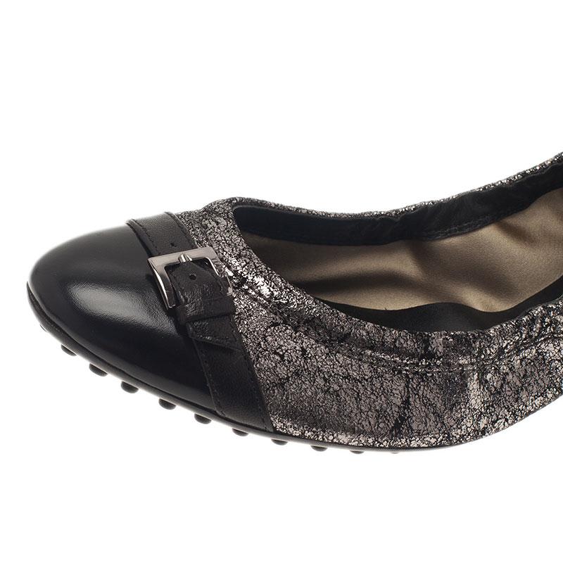Tod's Metallic Silver Cap Toe Buckle Ballet Flats Size 37.5